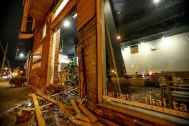 spirit halloween carbondale il car crashes into thai taste injuring one person u2013 daily egyptian
