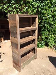 Pallet Wood Bookshelf Best 25 Bookshelf Bar Ideas On Pinterest Crate Bookshelf Crate