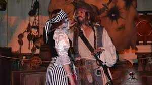 mickey u0027s not so scary halloween party 2016 meeting captain jack
