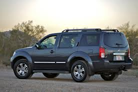 nissan pathfinder us news nissan pathfinder news photos and reviews autoblog
