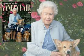 see queen elizabeth ii pose with her corgis and dorgis for vanity