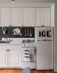 small apartment kitchen ideas 35 idées pour aménager une cuisine compact kitchen