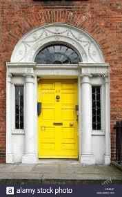 yellow front door stock photos u0026 yellow front door stock images