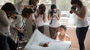 baby photographers newborn baby photography a guide to posing shooting and