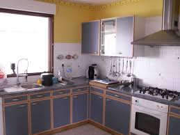 cuisine rustique repeinte en gris cuisine rustique repeinte collection et cuisine repeinte en gris