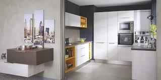 cuisine cacher cacher poubelle cuisine amazing eclairage cuisine sous meuble