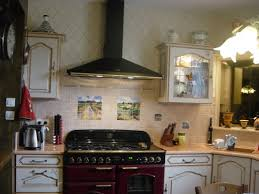 cuisine avec piano de cuisson provencale lave émaillée et piano de cuisson cuisines crozes 156