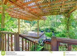 cozy intimate courtyards hgtv cozy intimate courtyards hgtv patios and backyard gogo papa