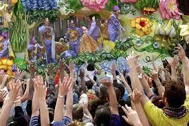 mardi gras throw cups tuesday 5 parades at new orleans mardi gras