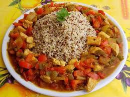 cuisiner du quinoa recette de poulet au quinoa la recette facile