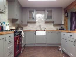 b q kitchen tiles ideas this is my kitchen all done and dusted with carlisbrooke units in