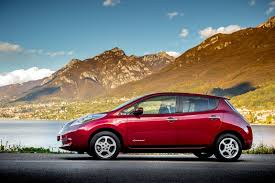 nissan leaf used uk nissan wants uk buyers to swap old cars for a leaf ev