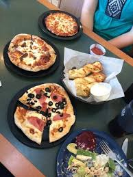 round table pizza pan vs original crust thin crust personal pizza picture of round table pizza kihei