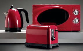 Red Kettle And Toaster Britons Spend Huge Sum On Kitchen Gadgets Including Juicers And