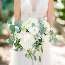 white wedding bouquets white wedding bouquets