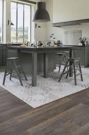 peinture sp iale meuble de cuisine des carreaux de ciment sous l îlot central cuisine