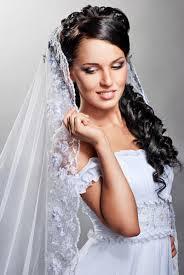Hochsteckfrisurenen Hochzeit Mit Diadem Und Schleier by Märchenhafte Locken Hochzeitsfrisuren Brautfrisuren Für Lange