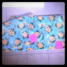 Floral Bathroom Rugs 48 Off Betsey Johnson Other Nwt Betsey Johnson Memory Foam