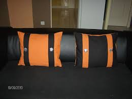 coussins orange coussin noir orange et gris vickylouna creations