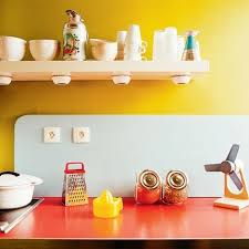 love these bright retro kitchen colors try benjamin moore yellow