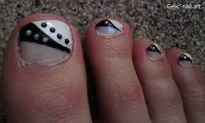 20 black toe nail designs images and white black toenail designs
