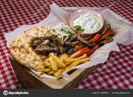 cuisine grecque traditionnelle cuisine grecque traditionnelle photographie dinosmichail
