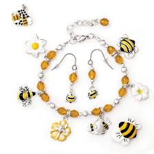 beaded bracelet charms images Bee jewelry ideas yellow bee beaded bracelet jpg