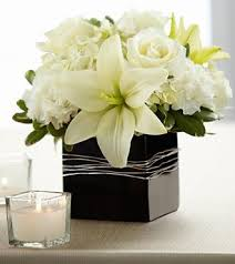 Black And White Centerpieces For Weddings by Best 10 No Flower Centerpieces Ideas On Pinterest Bridal