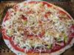 cuisiner une pizza courgettes façon pizza facile et pas cher recette sur cuisine