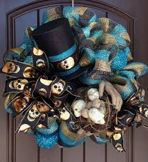 Halloween Mesh Wreaths by Halloween Wreath With Mummy Hands Skull Nest U0026 Top Hat Trendy
