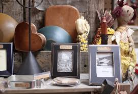 photo vignette of primitive home decor at homestead handcrafts