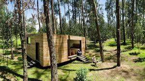 a small house for ecuador velasco roldan and hevia antuña