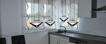 gardine für küche grauer schiebevorhang mit dekonetzen für die küche gardinen deko
