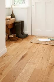 Laminate Flooring And Fitting Best 25 Oak Laminate Flooring Ideas On Pinterest Laminate
