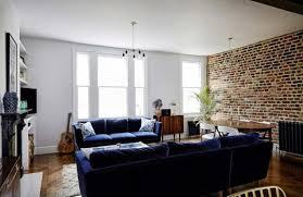 canapé velours bleu optez pour le canapé soyeux en velours rétro chic ou moderne
