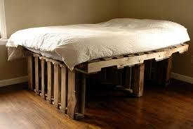 Platform Bed Pallet 17 Best Ideas About Pallet Platform Bed On Pinterest Diy Plans