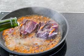 cuisiner une joue de boeuf joue de boeuf cuisson basse température