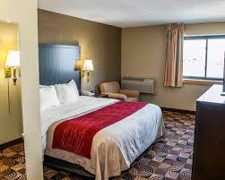 Comfort Inn North Indianapolis Comfort Inn U0026 Suites North At The Pyramids Indianapolis In Hotel