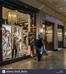 best deals on black friday outlets or mall trafford centre shopping centre in manchester banana republic 30