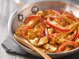 comment cuisiner les poivrons rouges sauté de dinde au paprika et poivron facile et pas cher
