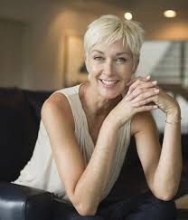 twiggy hairstyles for women over 50 20 gorgeous pixie haircuts on women over 50 pixie haircut
