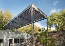 Building A House In Ct Toshiko Mori Updates Breuer Residence With Glass Clad Extension