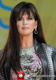 how to cut hair like marie osmond perform live on good morning america s summer concert series