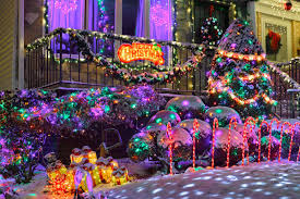 christmas displays dyker heights christmas lights photos of nyc s dazzling