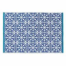 tappeti esterno tappeto e bianco da esterno 140 x 200 cm maisons du monde
