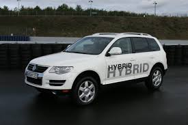 volkswagen touareg 2009 2011 volkswagen touareg to include hybrid launch in january