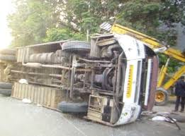 death toll touches 10 in the road accident in vallam in thanjavur