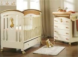 set chambre babymobel massivholz babyzimmer set giraffe holz oden chambre d