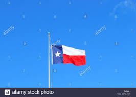 Texas Flag Half Staff Flying Texas Flag Stockfotos U0026 Flying Texas Flag Bilder Alamy