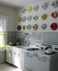 decoration mur cuisine decoration murale cuisine d coration avec des moule de point r no